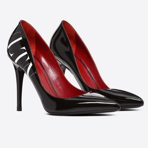 VALENTINO VLTN Logo Patent Leather Pump 105MM
